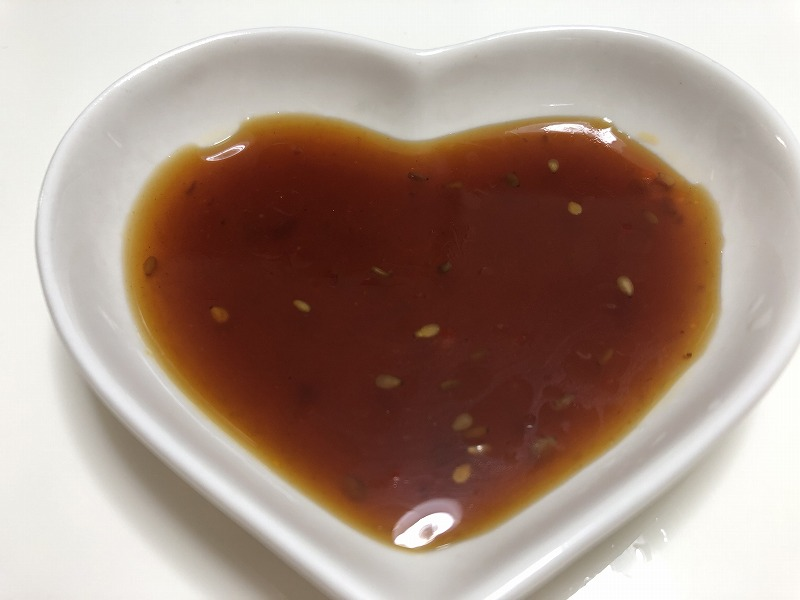 「XO醤入り焼き肉のたれ」をお皿に出して撮影した写真