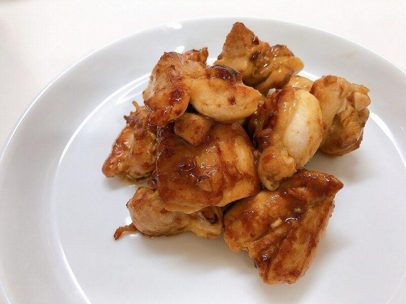 カルディガーリックシュリンプを使用して作った鶏肉のガーリック炒め